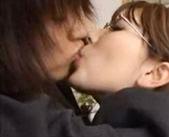 【南佳也 女性向け】突然スーツ姿のお姉さんがエロメンの自宅を訪問してキスされちゃう!?