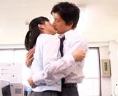 禁断の不倫オフィスラブ。仕事のできるイケメン上司の藤木一真から熱いキスをされて体が反応しちゃう