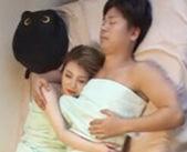 腕枕してくれる優しいイケメンと自宅でエッチ。エロメン小田切ジュンくんがパイパン金髪ギャルとデートしてイチャイチャセックス