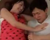 久しぶりにママにあった息子役ののエロメン男優、今岡爽紫郎君はたっぷり甘えちゃってイケナイ関係に発展しちゃう