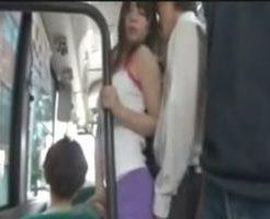 痴漢されると興奮する…エッチな服装でバスのサラリーマンを誘惑して… 女性向け無料アダルト動画