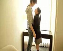 【タツ 女性向け】小柄で可愛いJKを素敵なホテルのお部屋でメロメロにするイケメンテクニック♪ちょっと照れて恥ずかしそうな彼女をじっくりほぐす