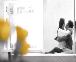 【黒田悠斗】綺麗め森ガールが大人の色気たっぷりにエロメンとベッドで雰囲気たっぷり濃厚に絡み合い、激しい69に興奮しちゃう!