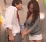 【一徹 KAORI】可愛い顔をした変態の教え子にちょっとした悪戯♡パンツを欲しがる彼に手コキと素股、フェラで可愛がっちゃう♡