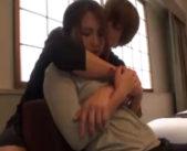 「こんなオバサンのセクシーなんて興味ありますか?」イケメンに後ろから抱きしめられ、どんどん忘れかけた女の自分が…♪ 女性向け無料アダルト動画