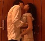 【玉木玲 藍沢潤】ホテルの部屋に入ったらもう限界…二人で激しくキスを交わし求め合い、少しの愛撫で即挿入。気持ち良さにエビ反りになってイっちゃう 女性向け無料アダルト動画