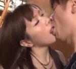 【小田切ジュン】ずっとこうしたかった…自分の言葉に夢見たいですと答え、玄関先で激しく求め合っちゃうドキドキ禁断えっち 女性向け無料アダルト動画